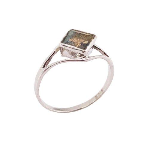 elisabeth labradorite silver ring